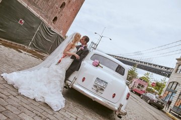 Deity Restaurant Wedding photos and video by Le Image-Brooklyn, NY wedding photographers and videographers. Intimate Brooklyn weddings.